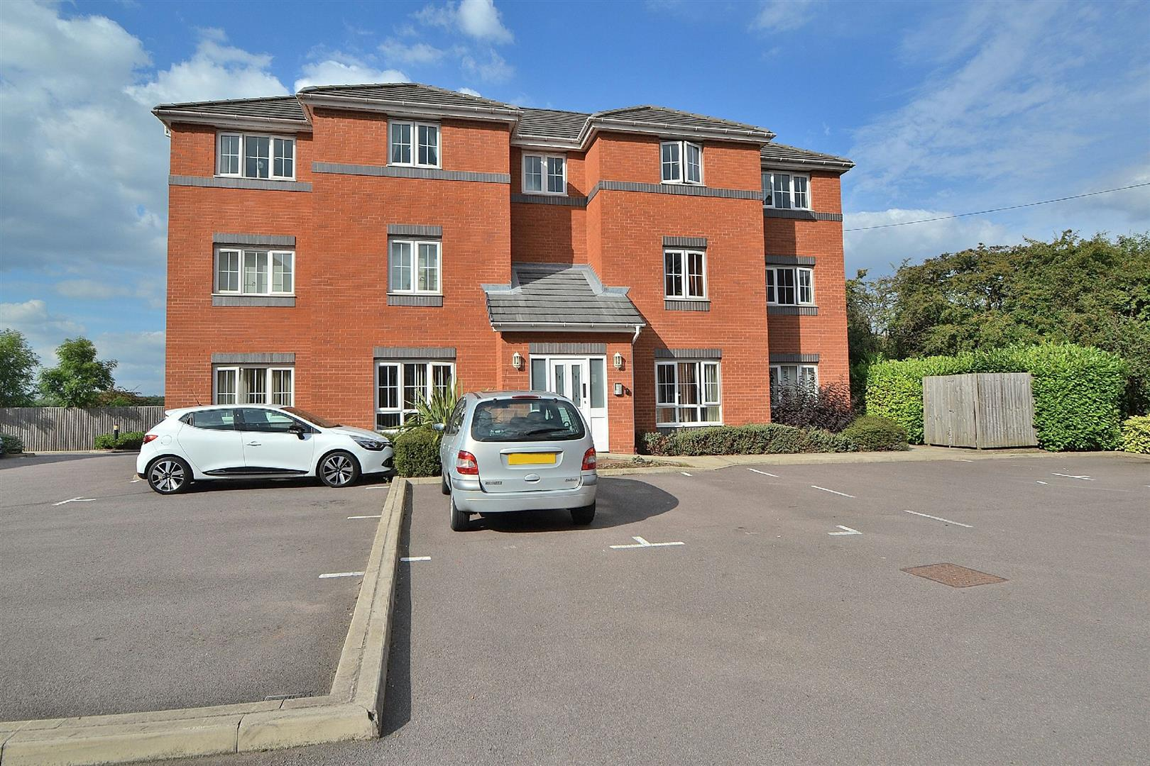 2 Bedrooms Flat for sale in Cowslip Meadow, Draycott